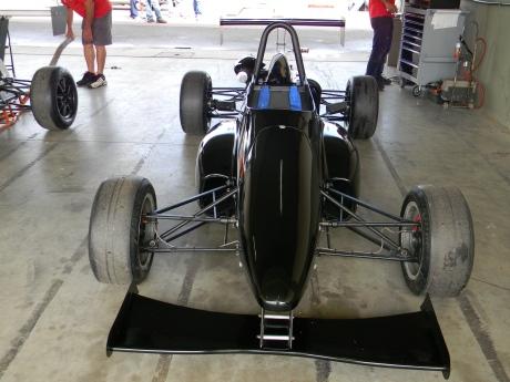 Este é o Batmóvel assim apelidado na pista